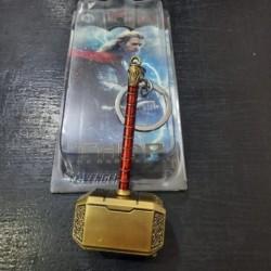 Llavero Martillo Thor Dorado